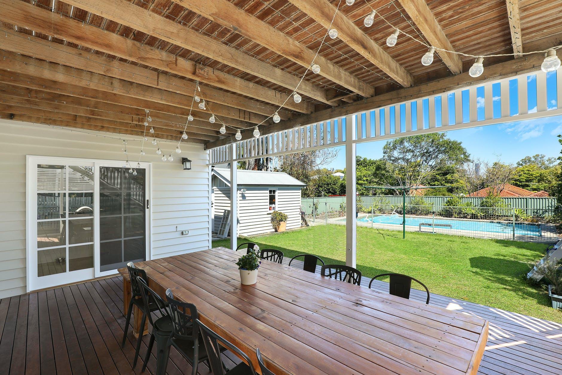 outdoor artificial grass putting green patio