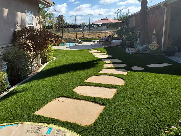 Attractive Paths Through Artificial Grass