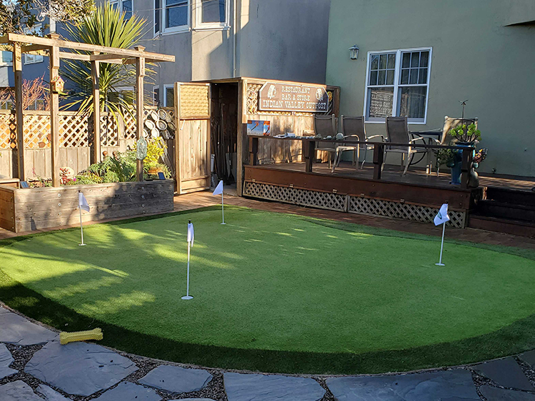 artificial putting greens in Modesto