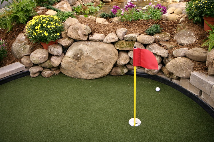 Putting Green Home Water Feature